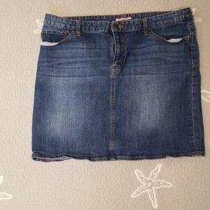 EUC Tommy Hilfiger denim skirt